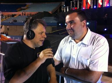 Paulo Francisco entrevistando o Rafael da Vinha FM